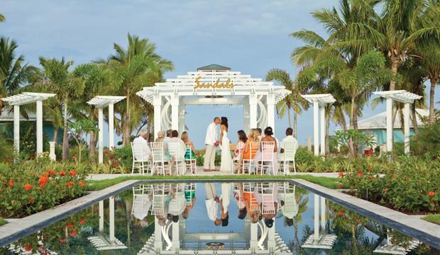 Sandals Resort lance le Guide de planification du mariage