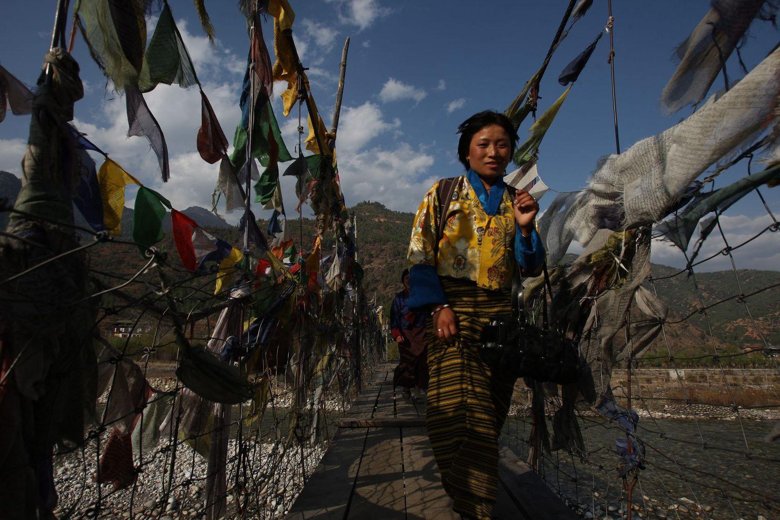 decouvrir le bhoutan, tourisme et tenue traditionelle
