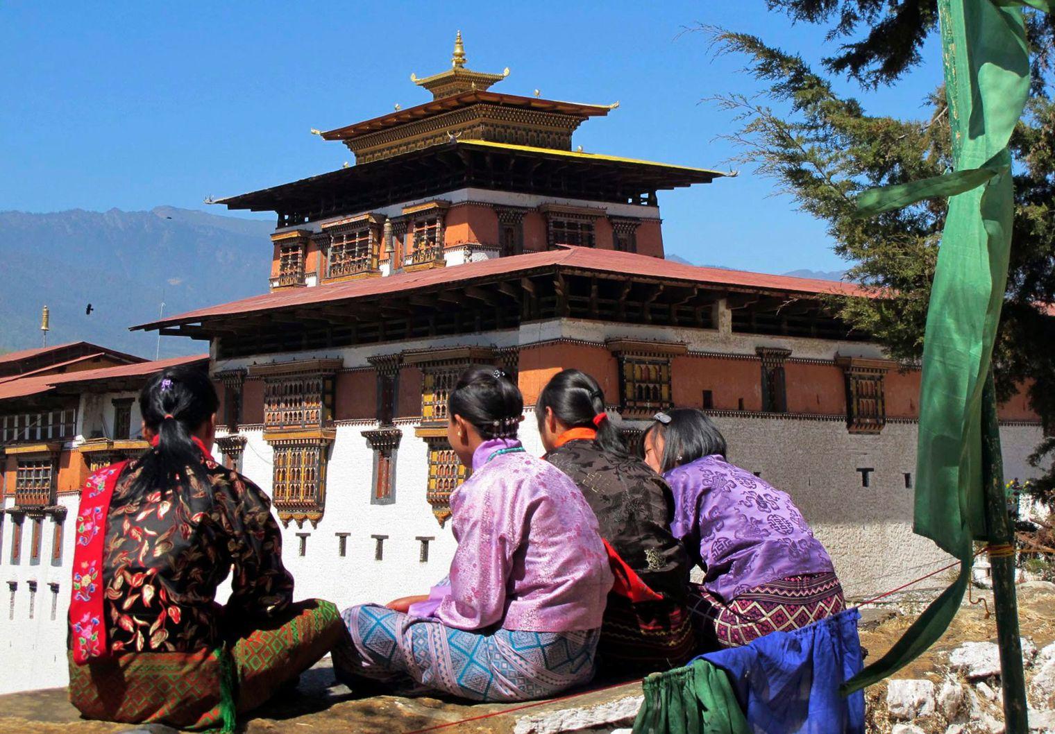 les monasteres , attraction touristique du bhoutan