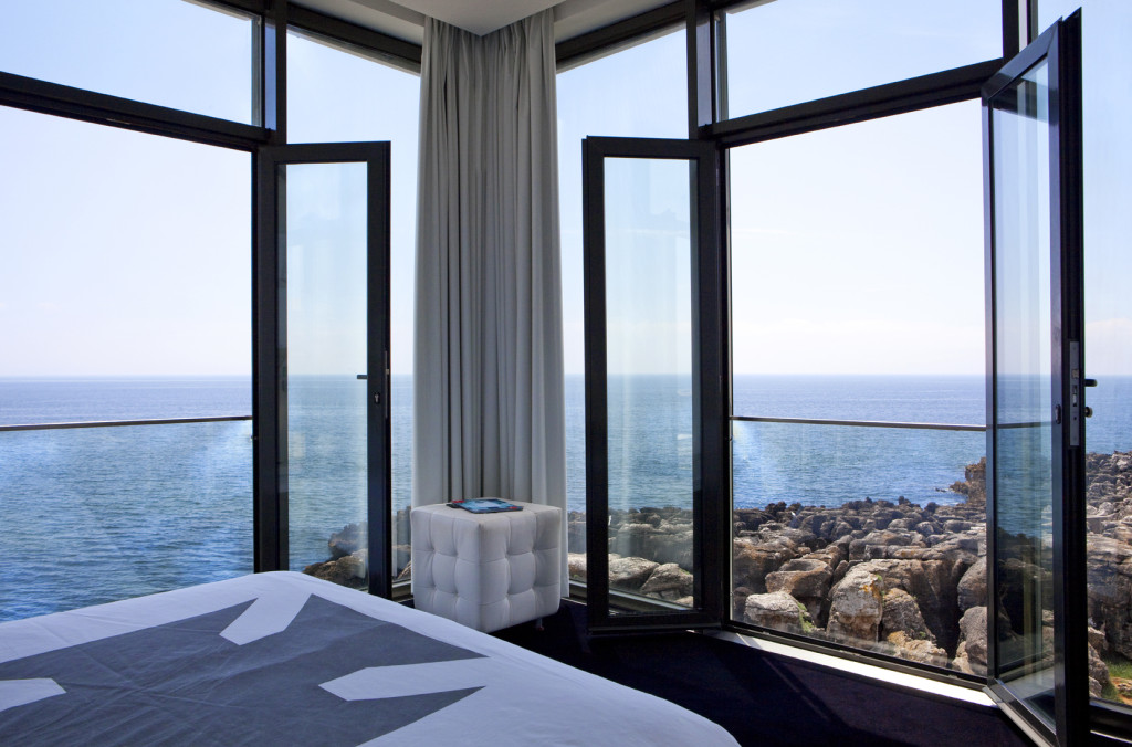 top des h tels incroyables en bord de mer au portugal. Black Bedroom Furniture Sets. Home Design Ideas