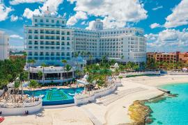 Vacances Signature annonce la réouverture officielle du Riu Palace Las Americas