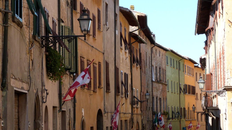 rues volterra toscane italie