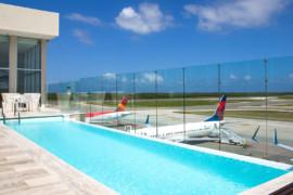 Le nouveau salon VIP avec piscine fait ses débuts à Punta Cana