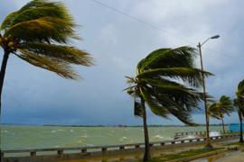 Comment voyager en toute sérénité pendant la saison des ouragans?