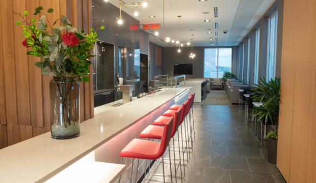 Air Canada dévoile un nouveau salon Feuille d'érable à l'aéroport international John G. Diefenbaker de Saskatoon