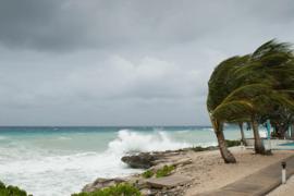 La tempête tropicale Kirk et l'ouragan Rosa vont à nouveau perturber le séjour des vacanciers!