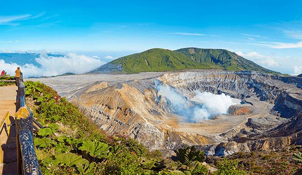 Le Costa Rica rouvre enfin le parc national du volcan Poás avec un nouveau système de sécurité