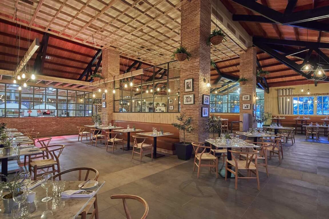 luxury bahia principe ambar restaurant