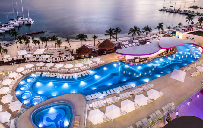 temptation cancun piscine