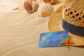 Quels sont les avantages des cartes de crédit pour mieux voyager?