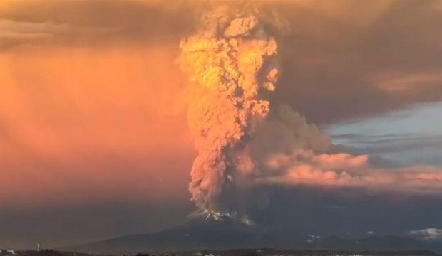Éruption du volcan Cotopaxi: l'un des plus dangereux du monde