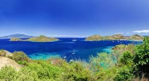 Découvrir les îles de la Gadeloupe en bateau