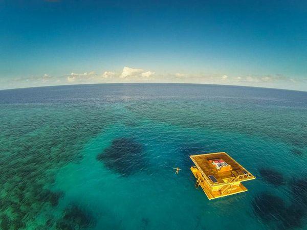 le manta resort hotel en plein milieu de l'eau
