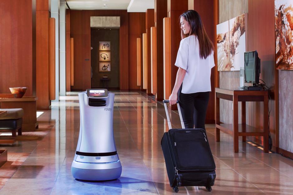 savioke-relay-robot-hotelier-2