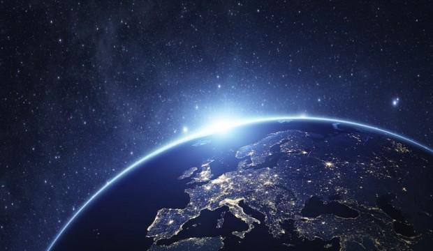 Voyage dans le Proche Espace : 96 604$ pour un vol en Montgolfière vers la Stratosphère!