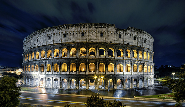 Colisée de Rome nuit