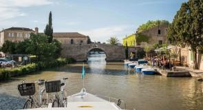 Pénichette sur le Canal du Midi : Mystère au fil de l'eau