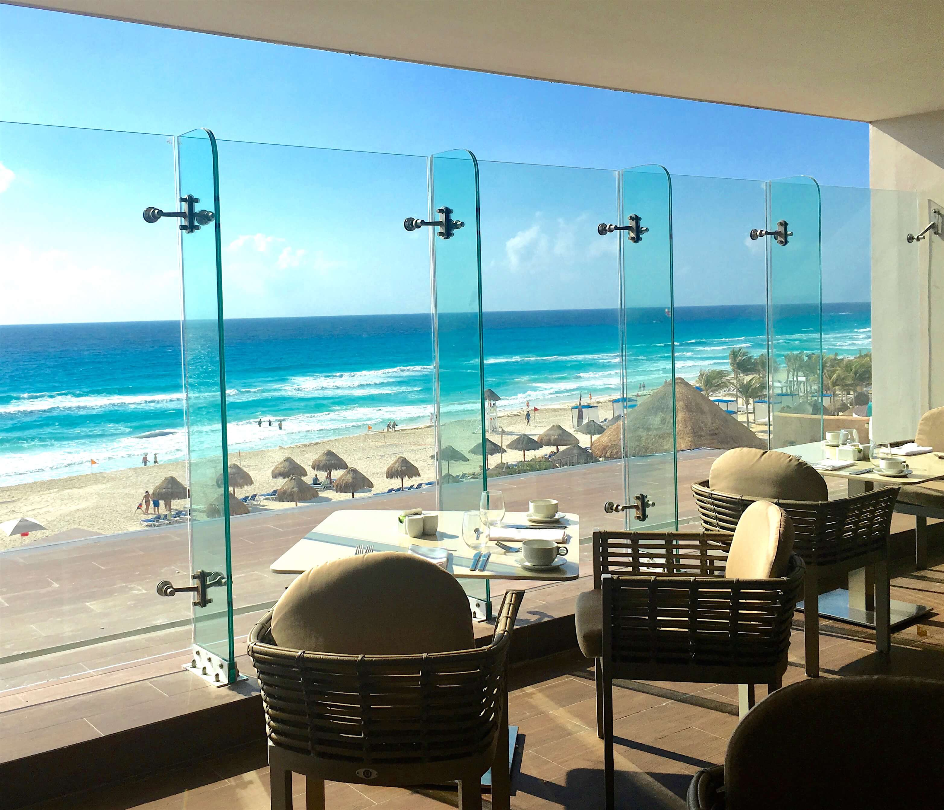 Royalton Suites Cancún Resort & Spa buffet salle à manger
