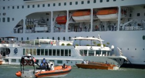[IMAGES] Le MSC Opera fait la une dans le monde en raison d'une collision à Venise