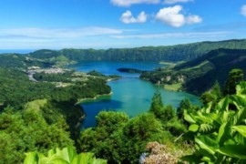VOYAGEZ DE LA MAISON : un tour sur l'île de Sao Miguel au Portugal!