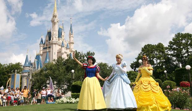 Disneyland retarde sa réouverture en attendant de nouvelles directives de l'État de Californie