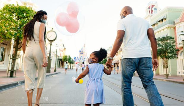 Disney World rouvre demain, voici à quoi s'attendre dans les parcs à thème