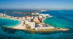 13 000 touristes américains arrivent encore chaque jour à Cancun