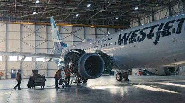 """""""En douceur, à l'heure et sans surprise"""" : WestJet marque le retour du 737 MAX"""