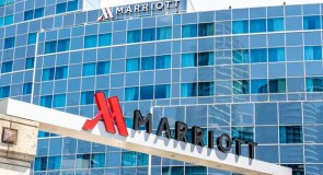 Le PDG de Marriott International donne son avis sur les passeports de vaccination